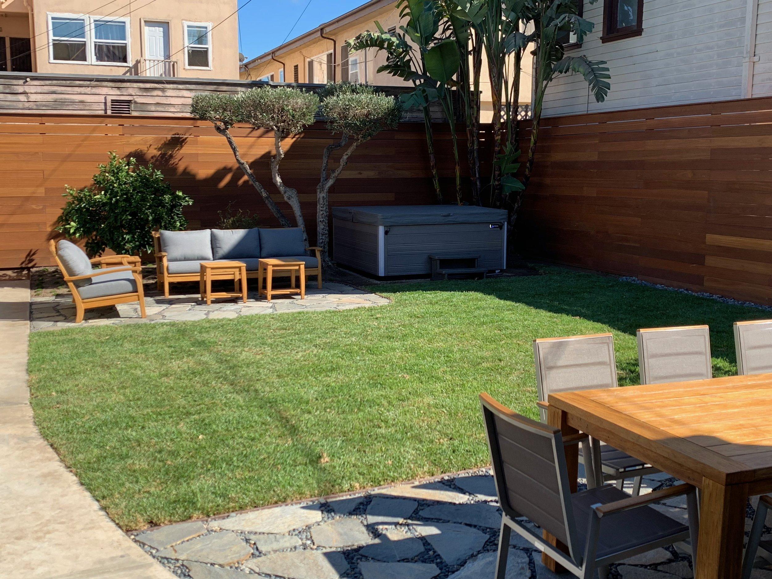 Redwood Horizontal Fence - Los Angeles Fence Builders.jpeg
