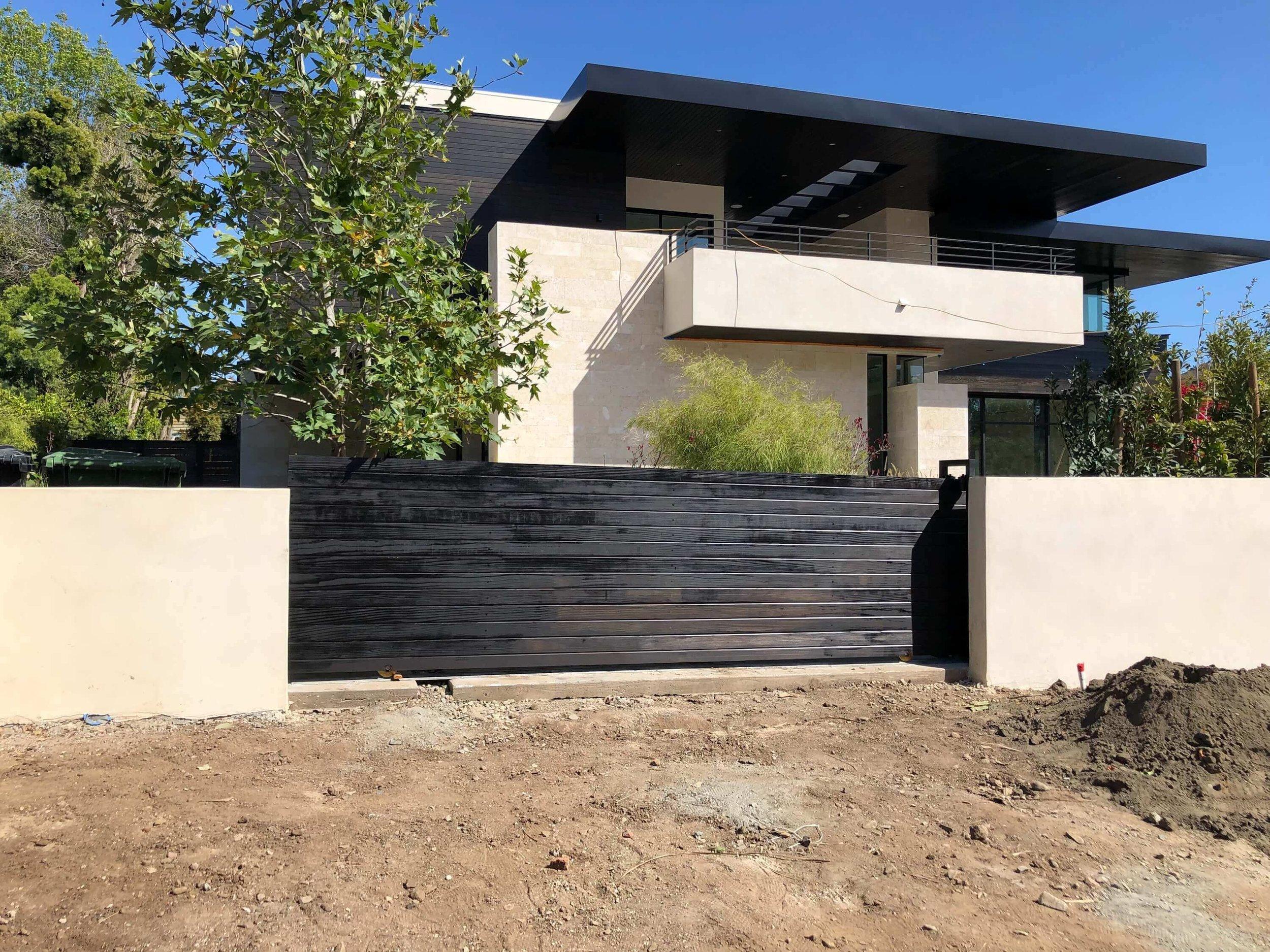 Los Angeles Fence Builders Horizontal Driveway Gates.jpeg