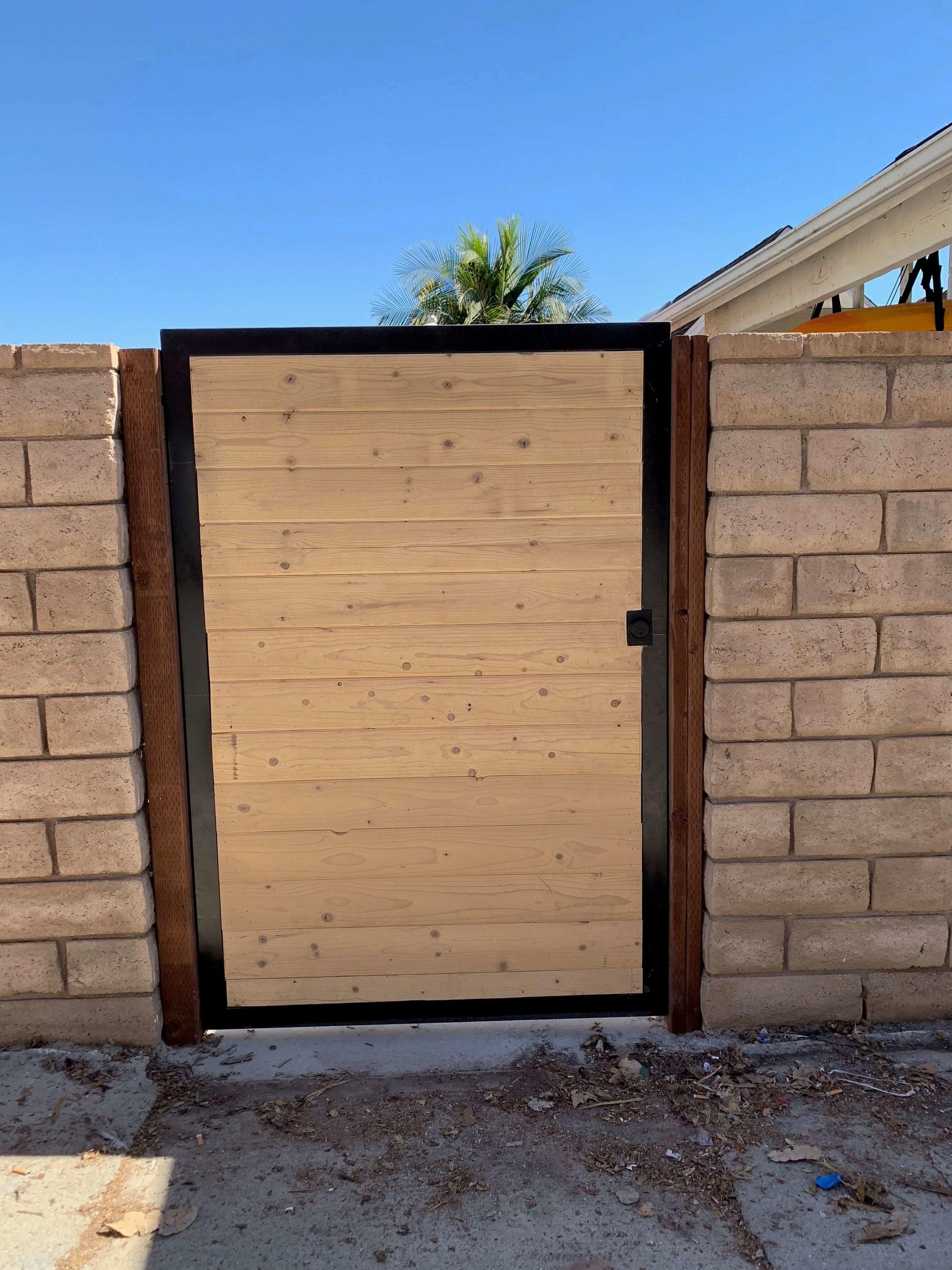 Entry+Gate+Los+Angeles+Fence+Builders.jpg