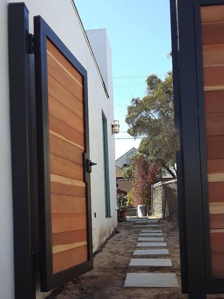 Entry+Gate+Open+LA+Fence+Builders.jpg
