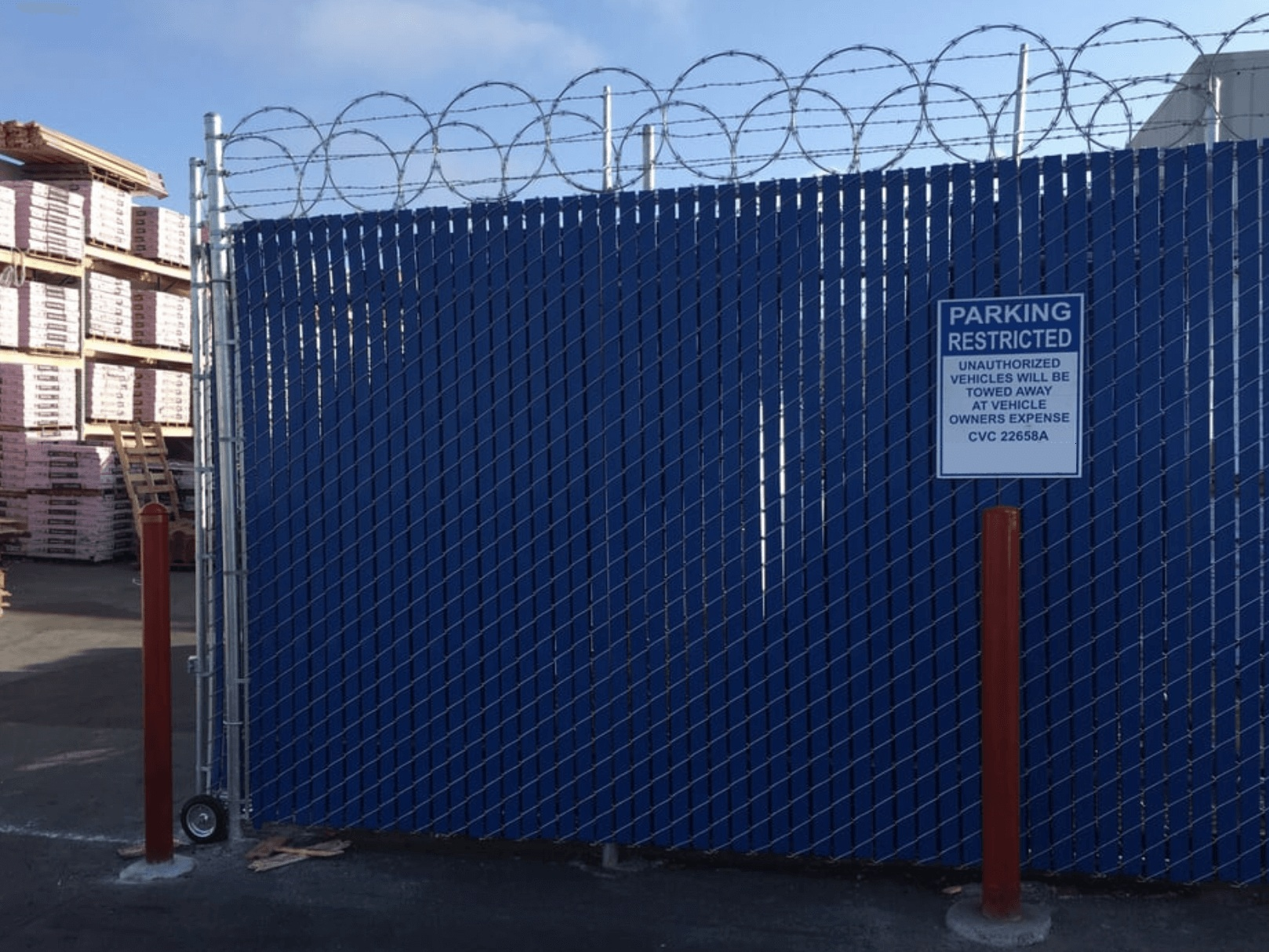 Commercial+Chain+Link+Fence+-+Barbed+Wire.jpg