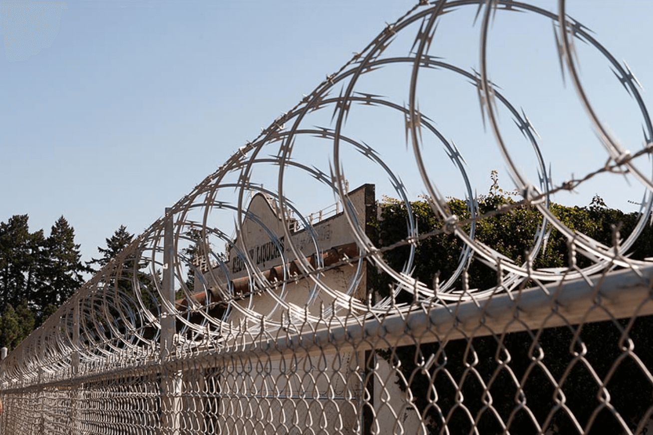 Razor Wire Los Angeles Fence Builders.png