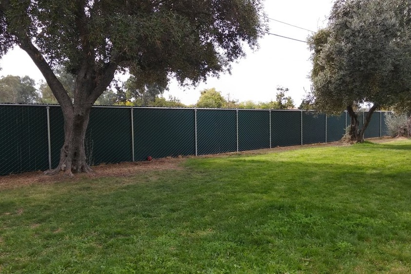 Windscreen-chain-link-fence-los-angeles-fence-builders.jpg