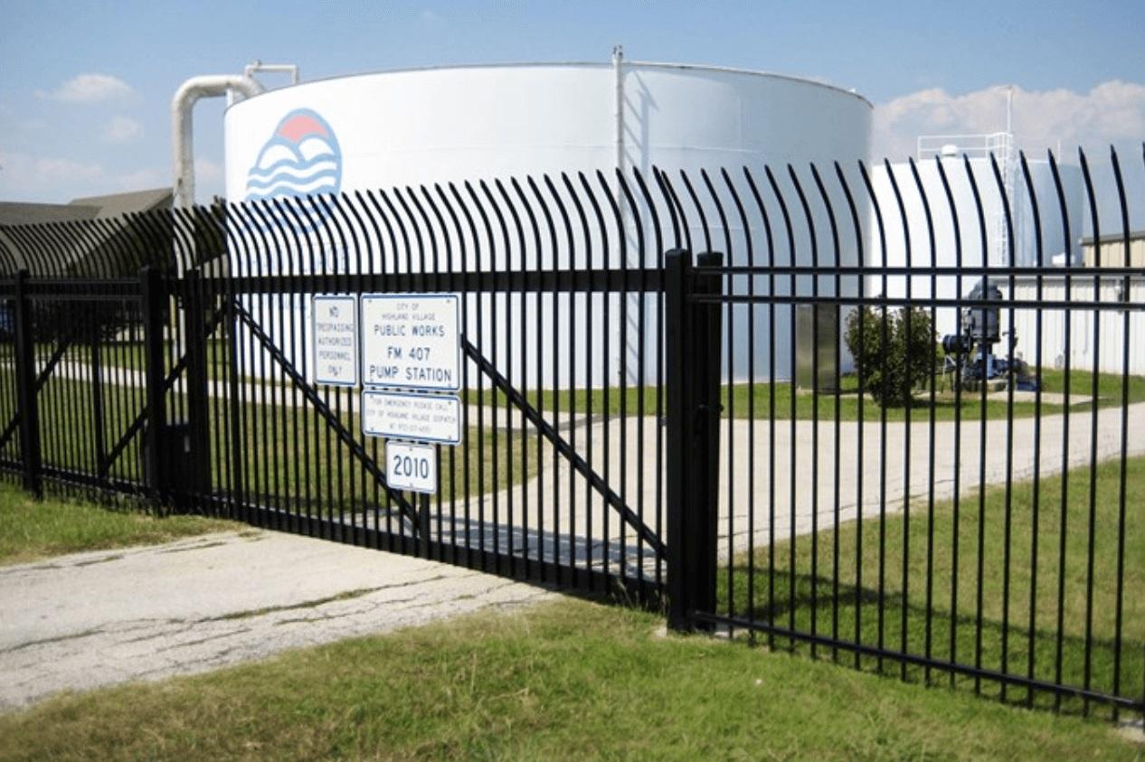 Industrial+Gate+Installation+Los+Angeles+Fence+Builders.jpg