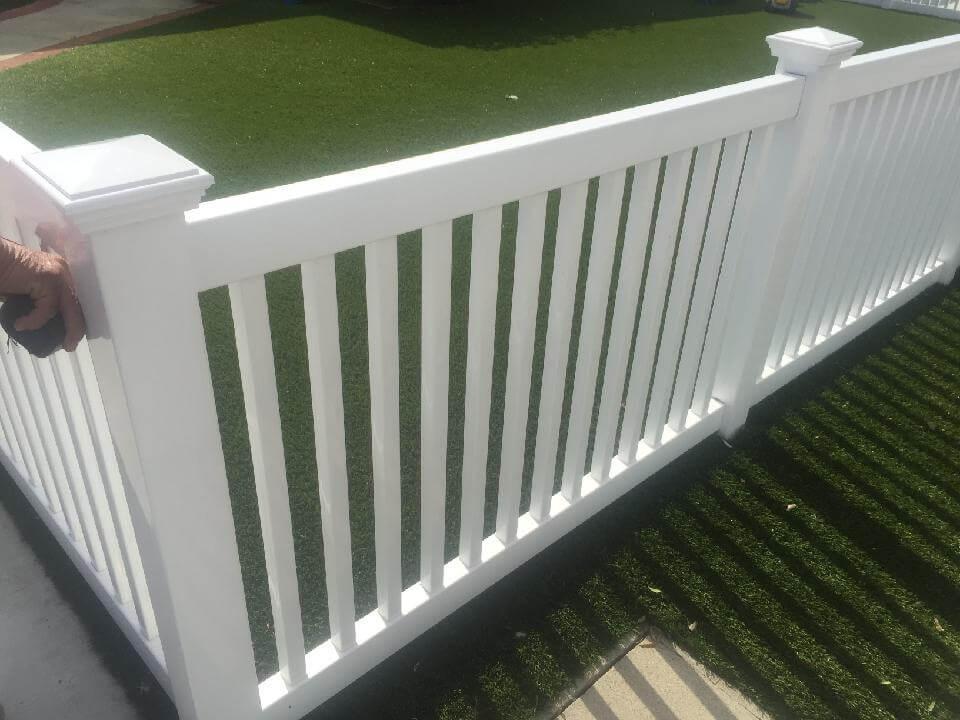 White+Vinyl+Picket+Fence+-Los+Angeles+Fence+Builders.jpg