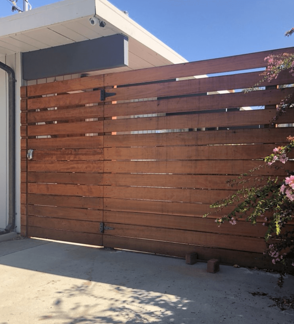 Horizontal Fence Entry Gate Wood Frame.png