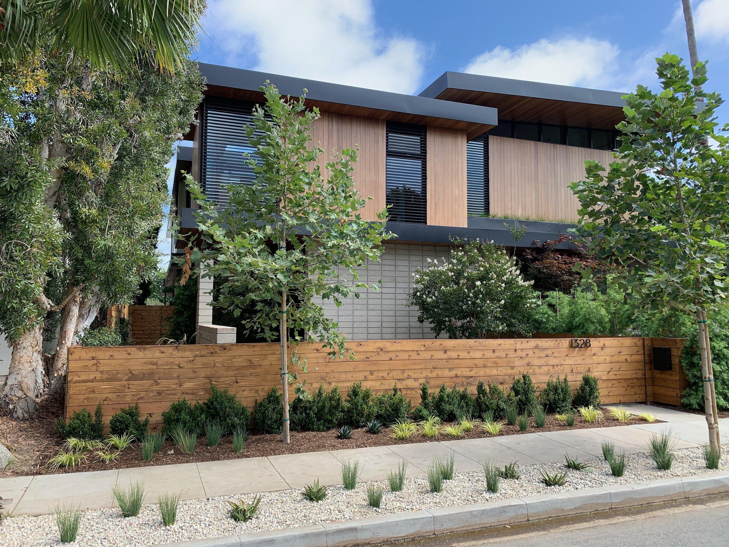 LA Fence Builders 2.jpg