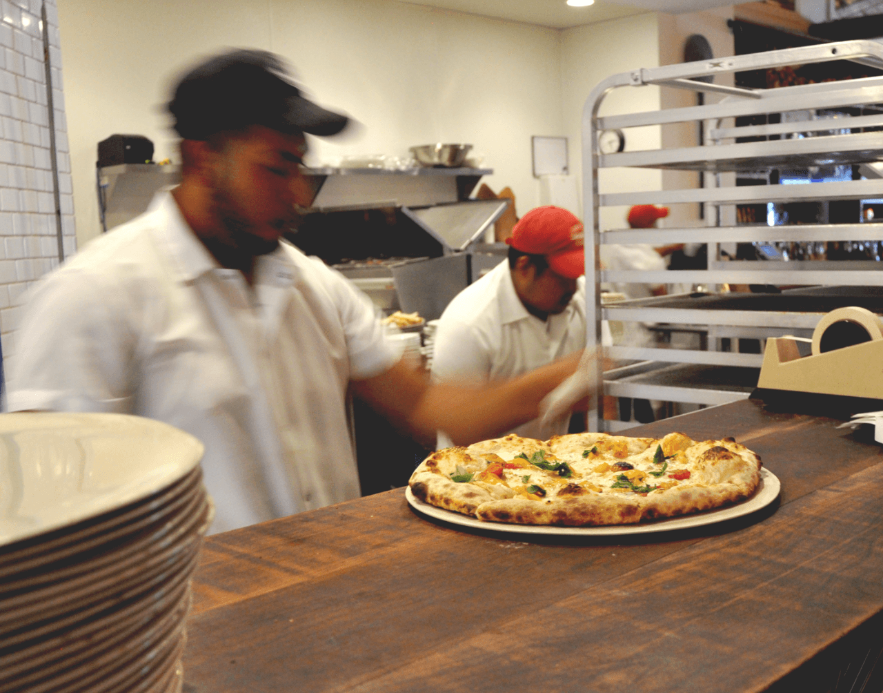 Pizza_Move2-mask-115 (1).png