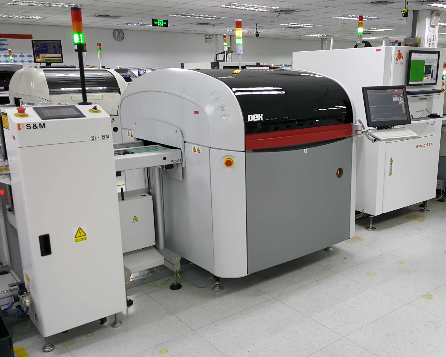 PCBA Loader equipment for electronic contract manufacturing