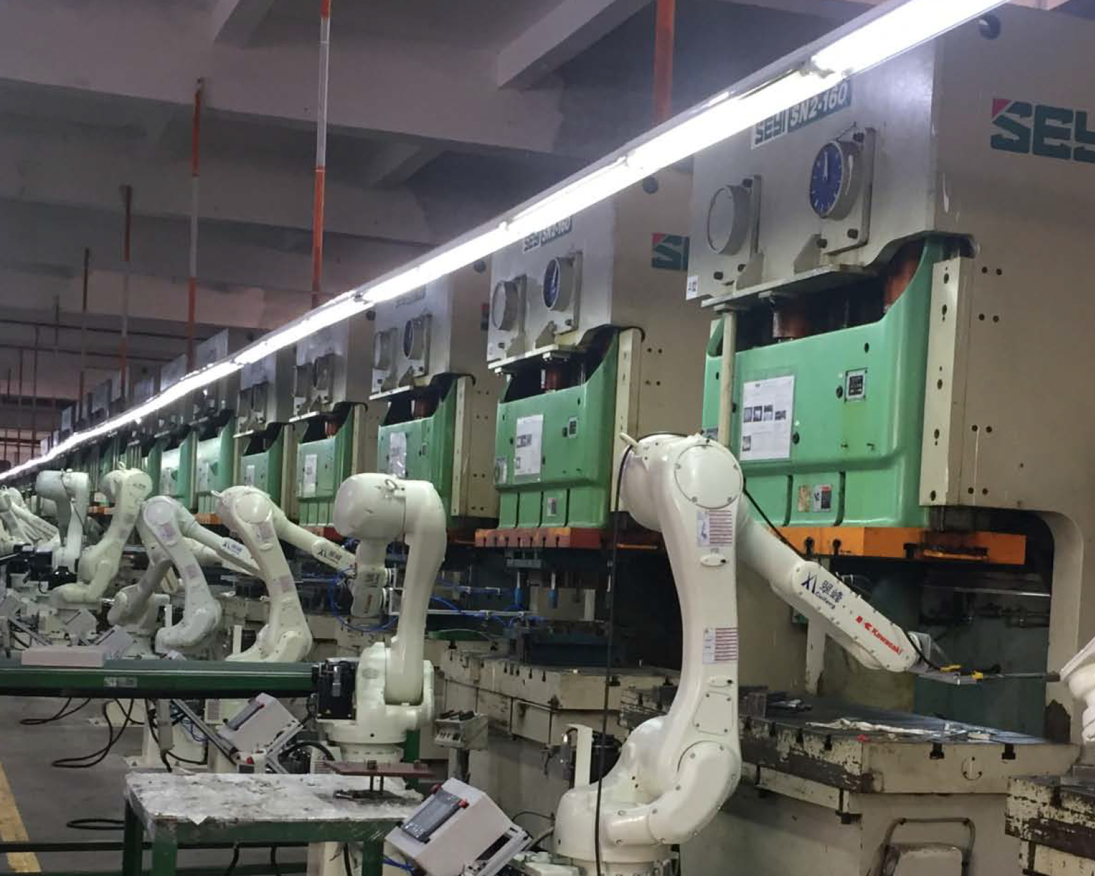 robotic arms in manufacturing assembly