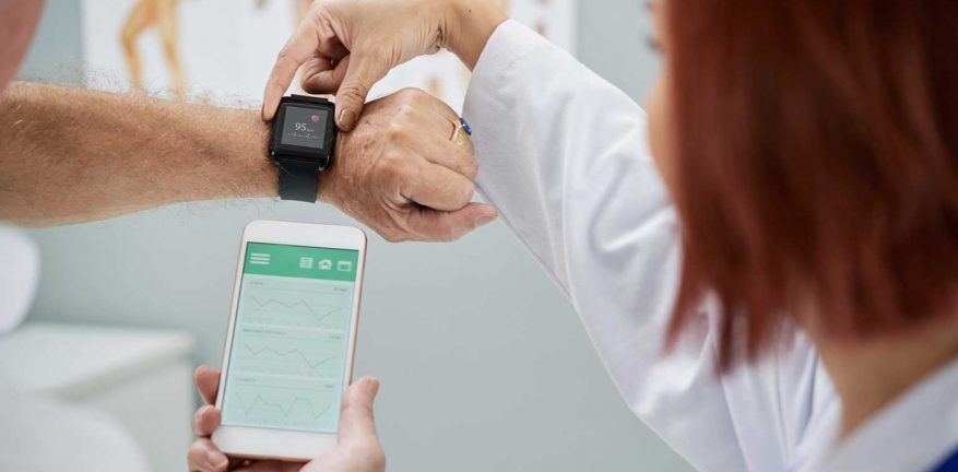 ai-iot-healthcare-877x432.jpg