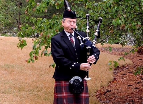 Tom Crawford, Alabama bagpiper for hire