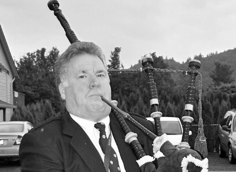 Robert Stewart, bagpiper at the House of Piping