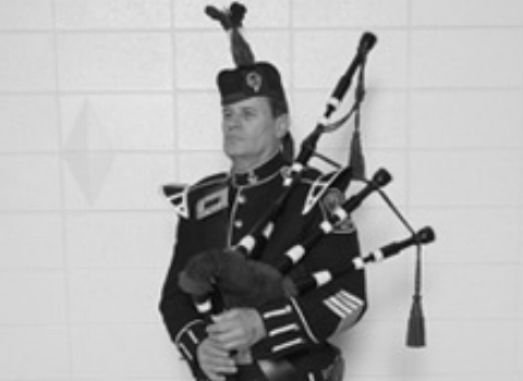 David Cormalleth, bagpiper at the House of Piping