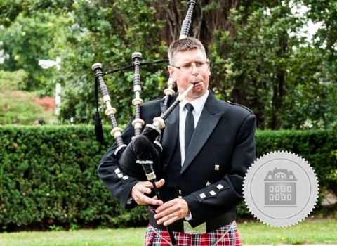 Steve Turner, bagpiper for hire