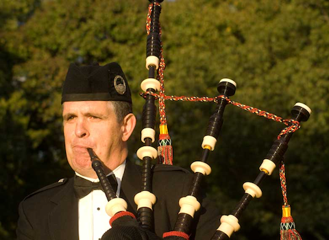 tom_childs_bagpiper