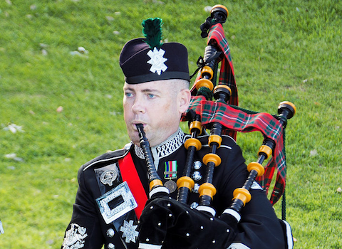 richard_mcgregor_bagpiper