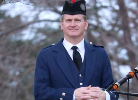 stephen_holter_bagpiper