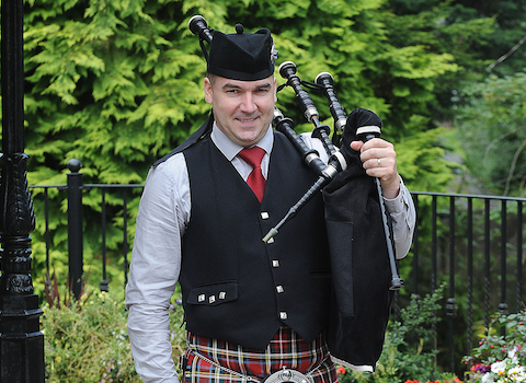 Stephen McElhinney, bagpiper for hire