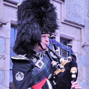 Edinburgh-Piper-for-Hire-Uniform.jpg