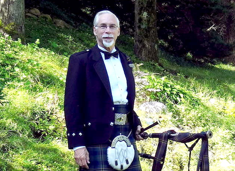 thomas_kennedy_bagpiper.png