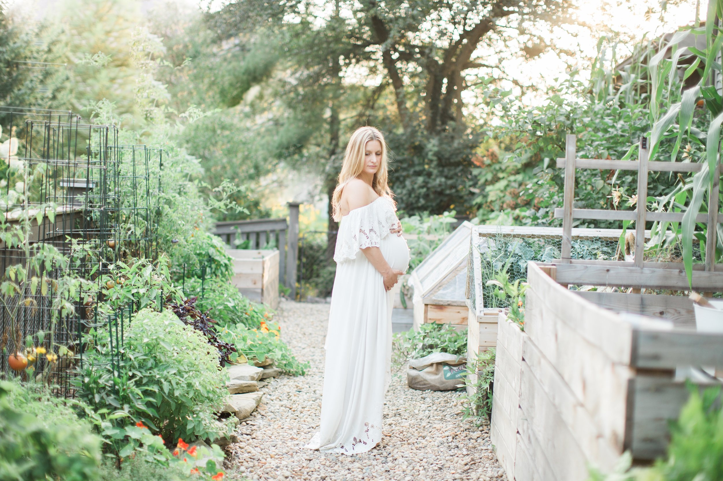 """lori baskin - Columbus, OH, USA""""It has allowed me to have work life balance. I enjoy have the ability to run my own business and still photograph products for Shutterstock and the amazing companies."""""""