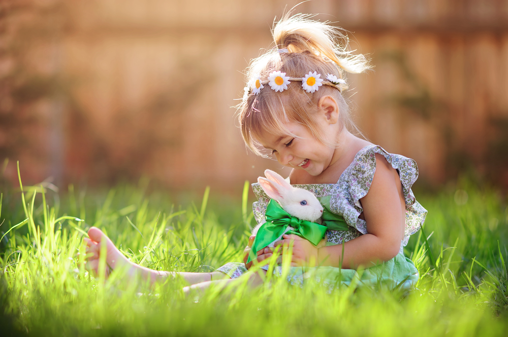 Backyard - A playdate in the backyard, with the sun streaming through the fence is a great start to an Easter shoot. Ensure that the backyard has been cleaned and trimmed, and is ready for those Easter vibes before you start your shoot.