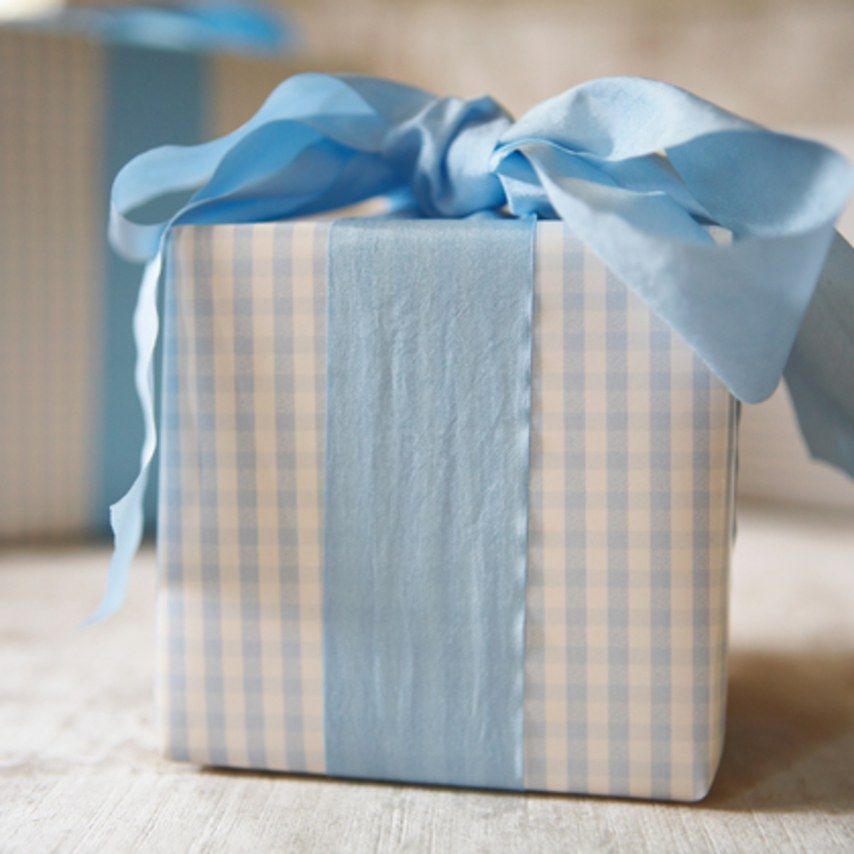 This Couple Waited 9 Years to Open a Wedding Gift