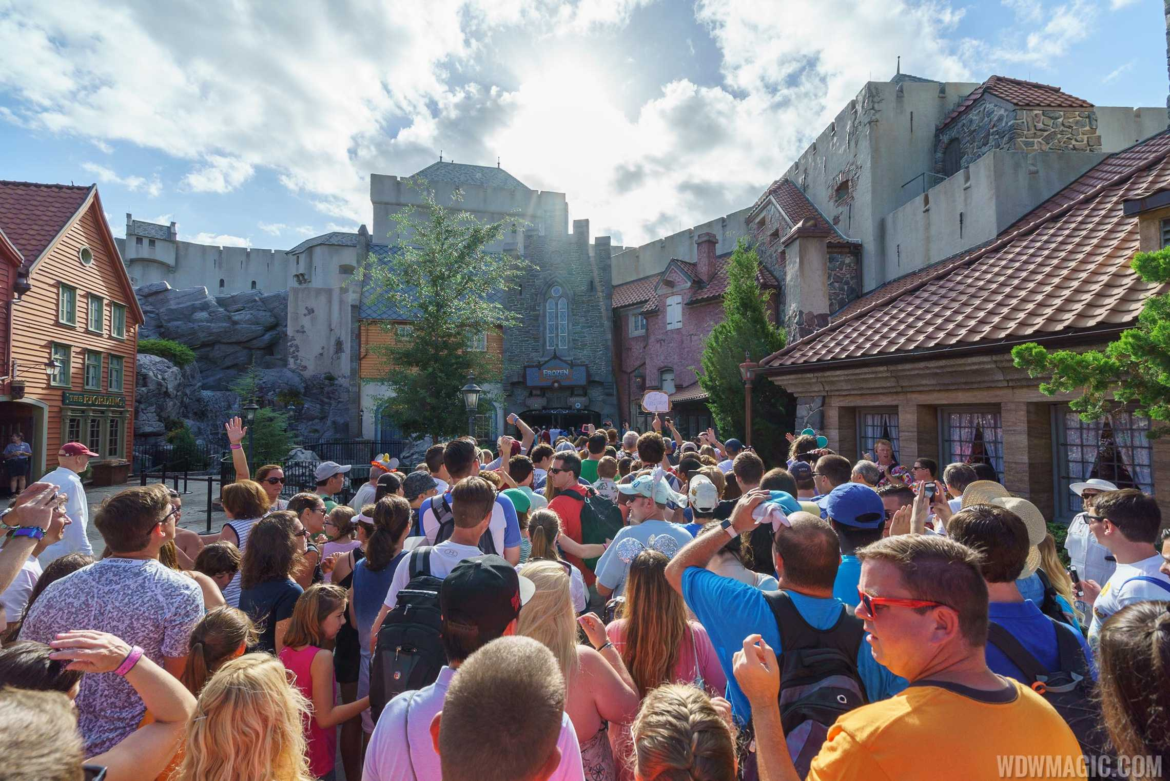 How to Utilize a Long Line at Walt Disney World