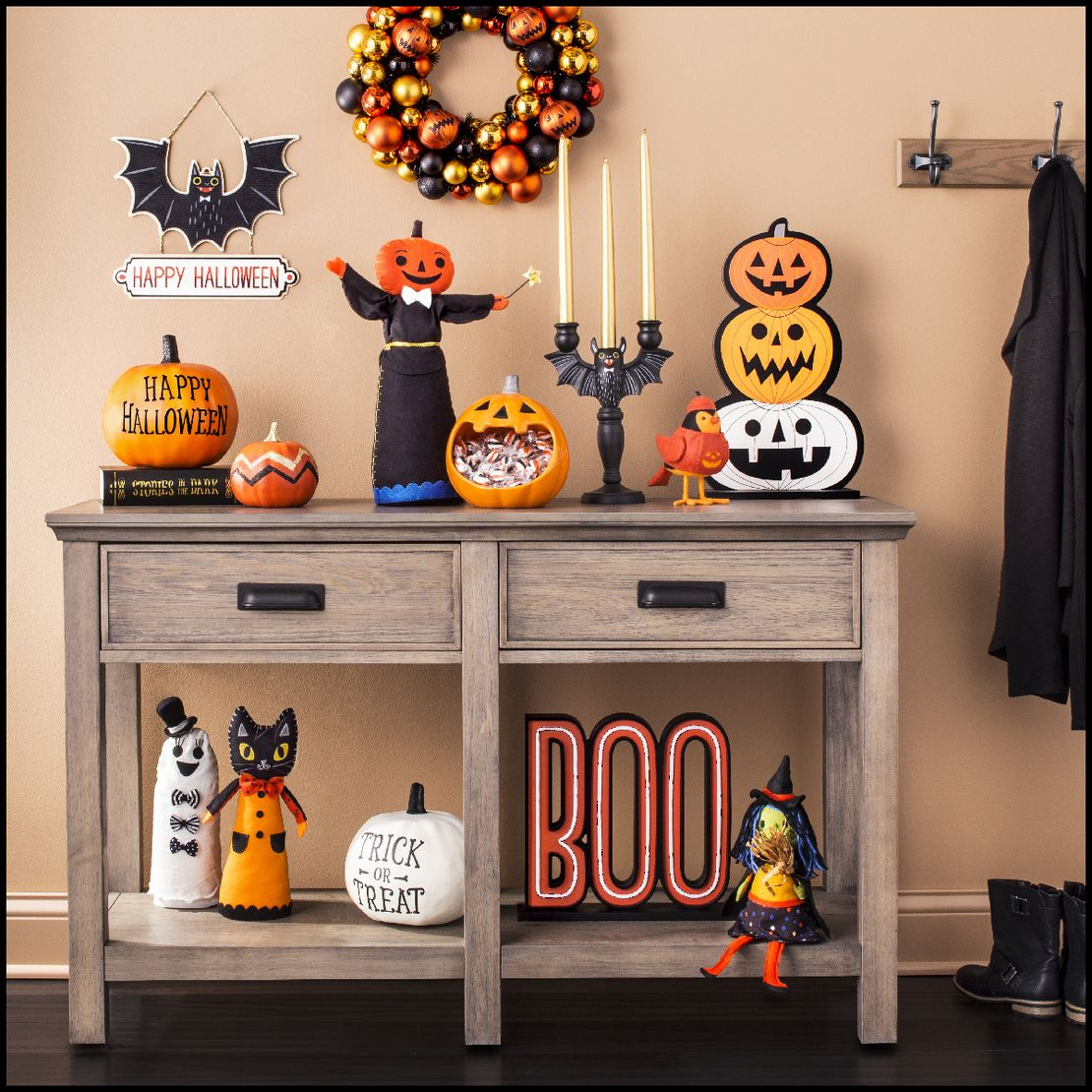 How To Host A Halloween Party In An Apartment