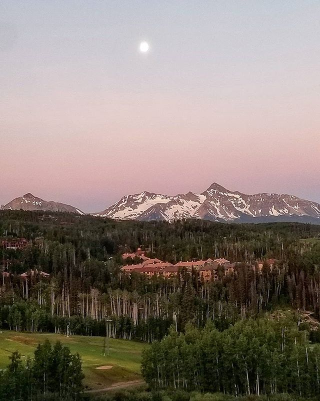 Morning moonrise over the Rockies.  #myview #travel #patricksutton #naturesbeauty #fromwhereistand #onassignment #mountains #majesty #sunrise #instaphoto #instapic #inspired #designlife #tellingstories #storiedinteriors #makingtheworldbeautiful