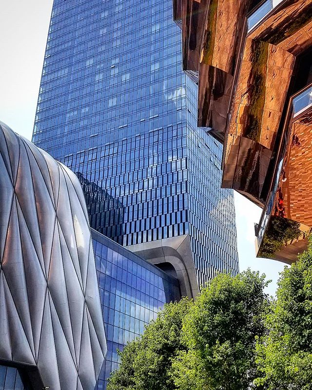 The many forms of Hudson Yards  #architecture #design #inspired #instaphoto #instapic #photo #photograph #nyc #travel #explore #wander #designlife #goodlife #thankful #beautiful #weekend #tellingstories #storiedinteriors #makingtheworldbeautiful