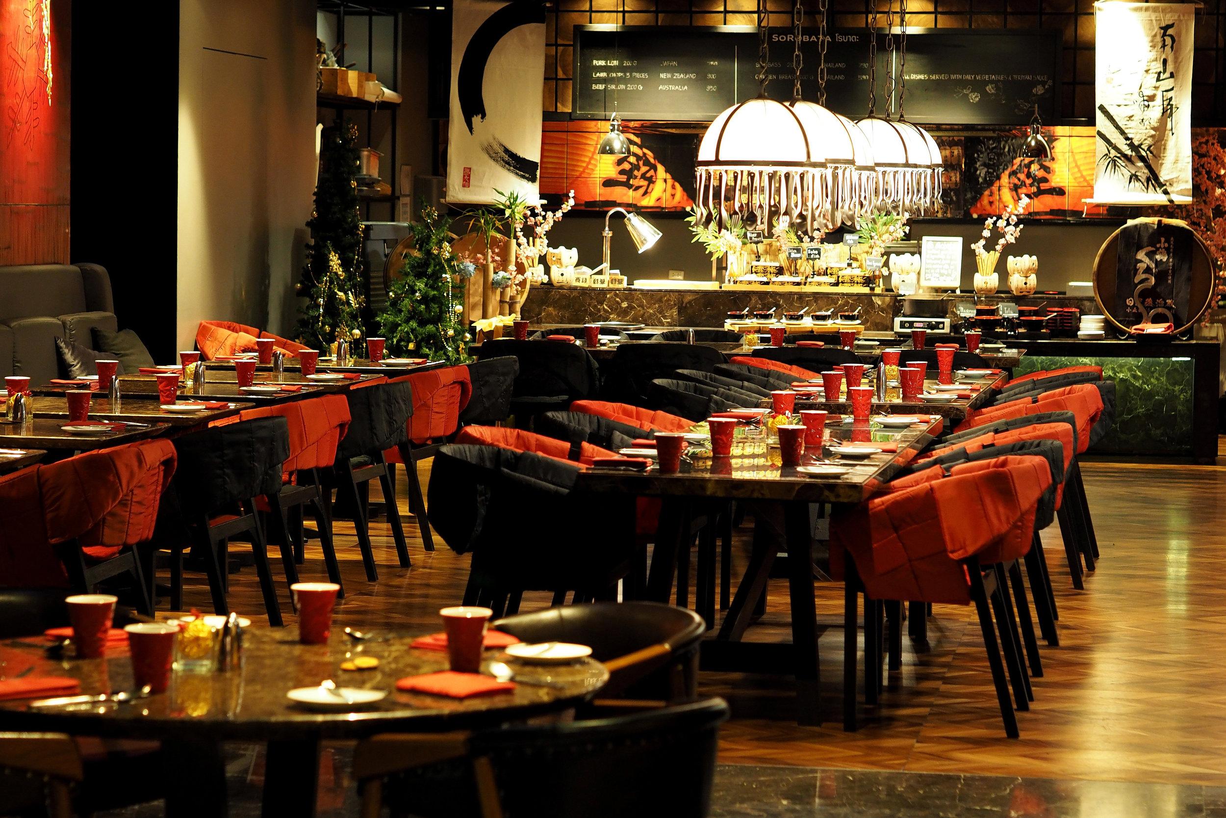 restaurant-in-bangkok-thailand.jpg
