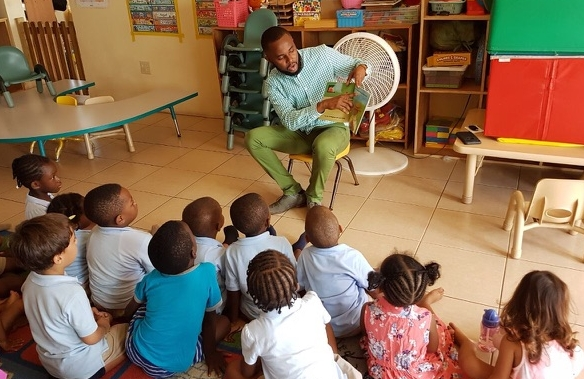 Rick reads  When I Grow Up  for children on St. Kitts