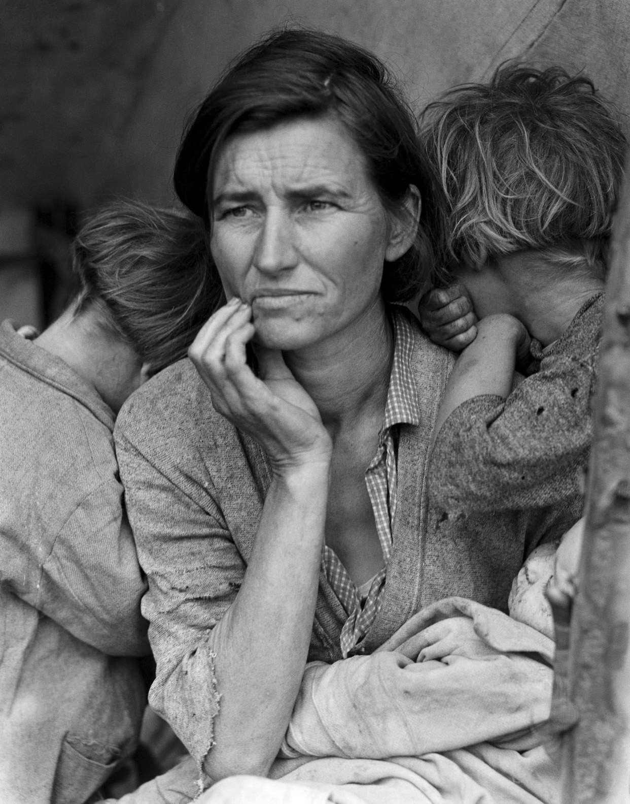 Dorothea Lange,  Migrant mother, Nipomo, California,  (1936)