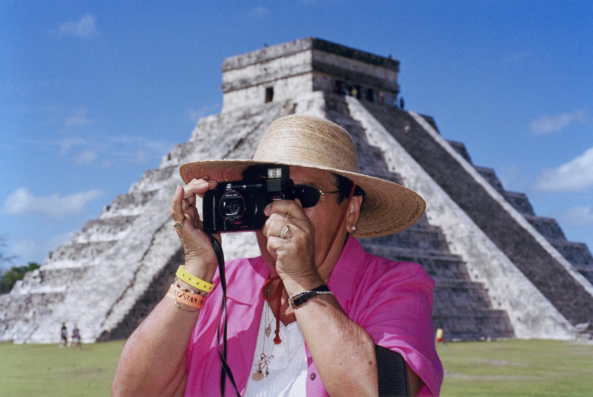Martin Parr, Mexico, 2002