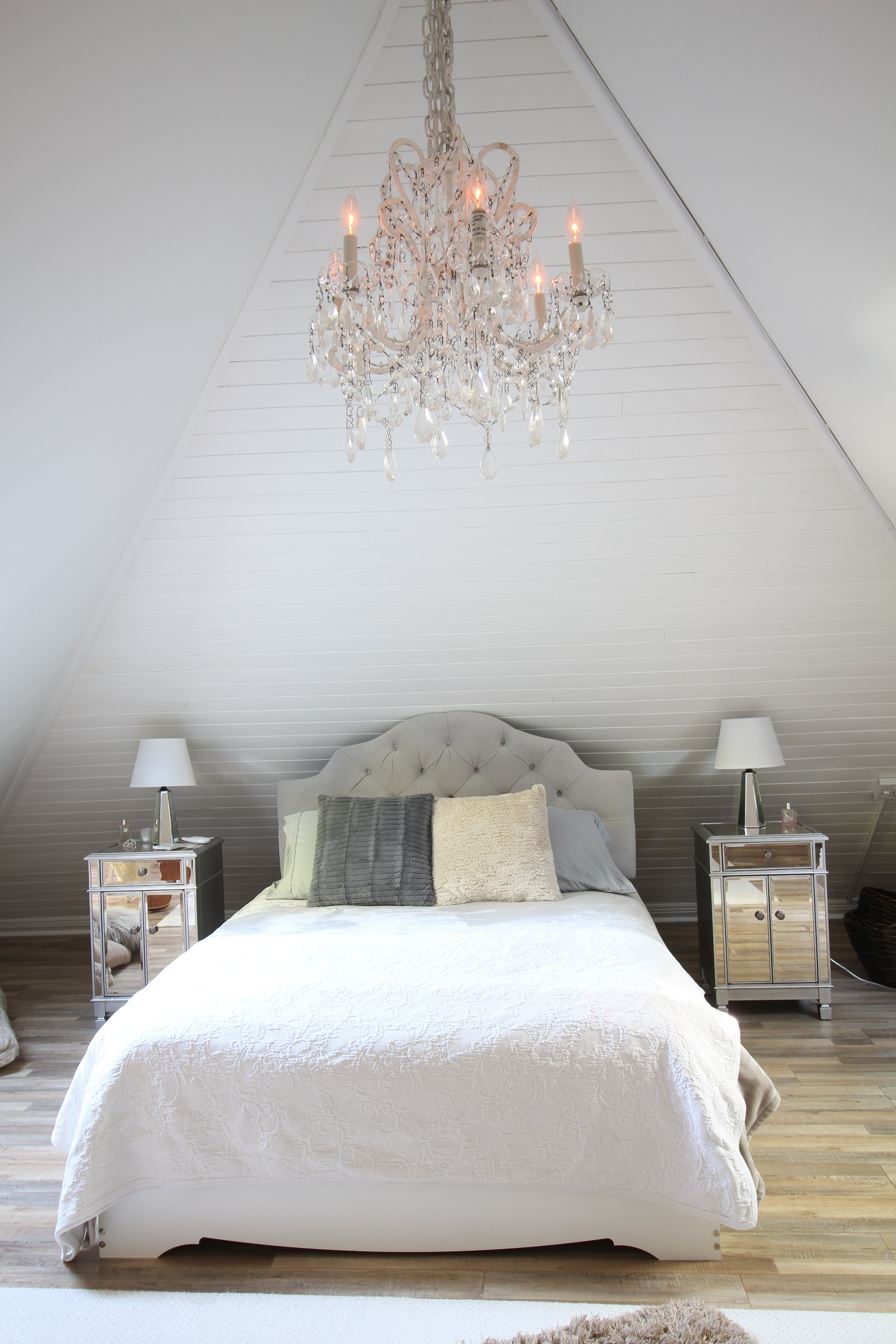 Glam-farmhouse-attic-1.JPG