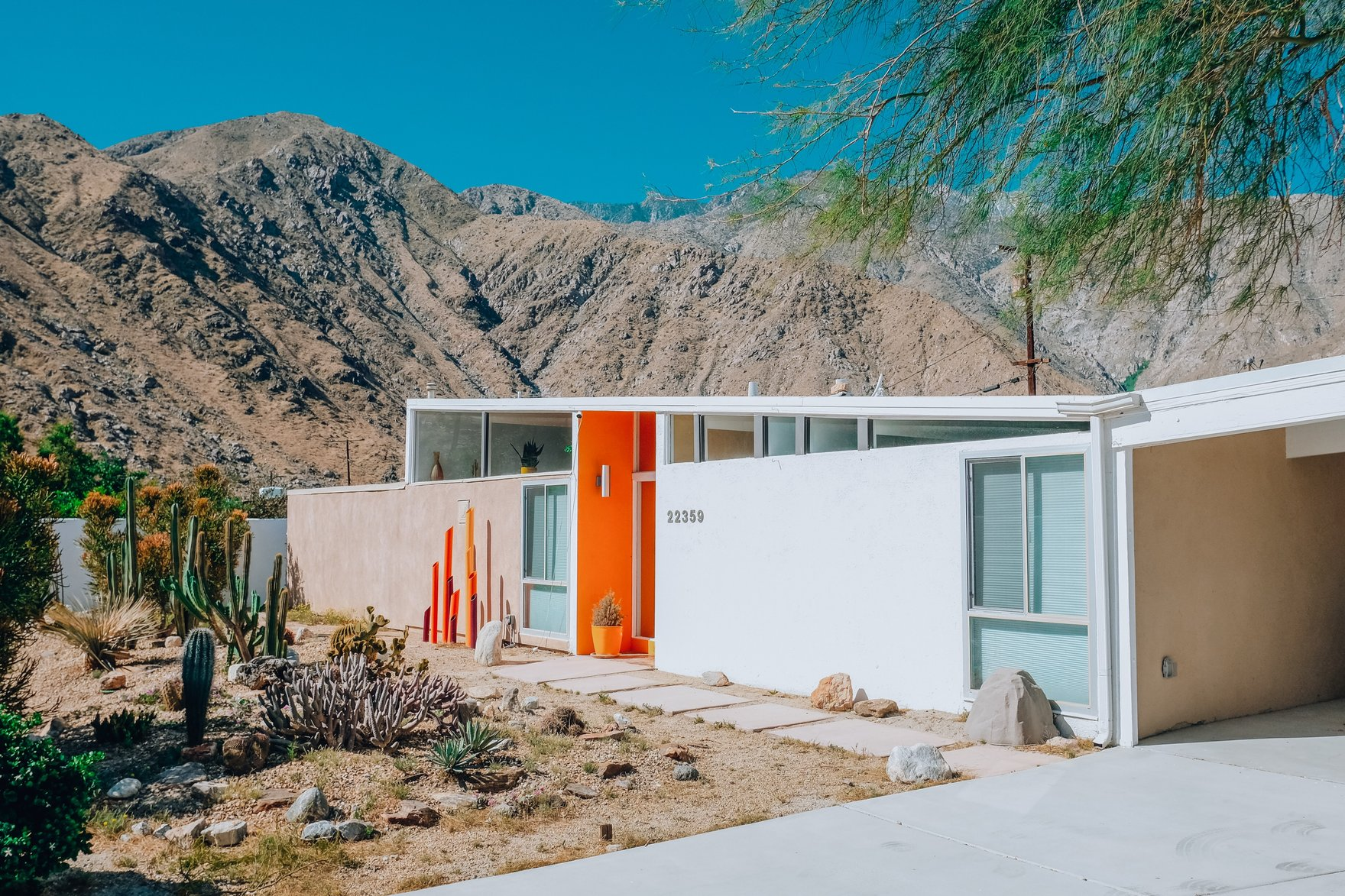 The Desert Poppy - Palm SpringsA stunning, authentic, architectural midcentury ranch house with 8,000 sq feet of cacti and infinite desert views.