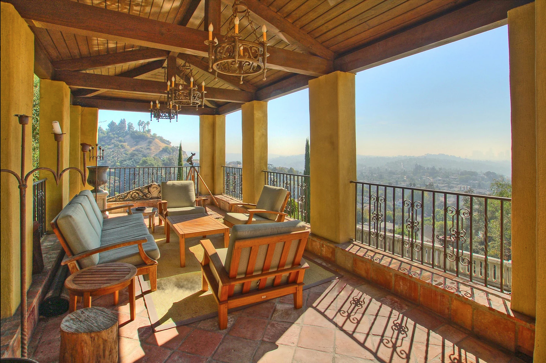 Villa Calabria - Los FelizA magical, cinematic 4,500 sq ft Italian villa high on a hilltop in Los Feliz with iconic swimming pool & epic views of Griffith Park, Los Angeles, & the Pacific Ocean.