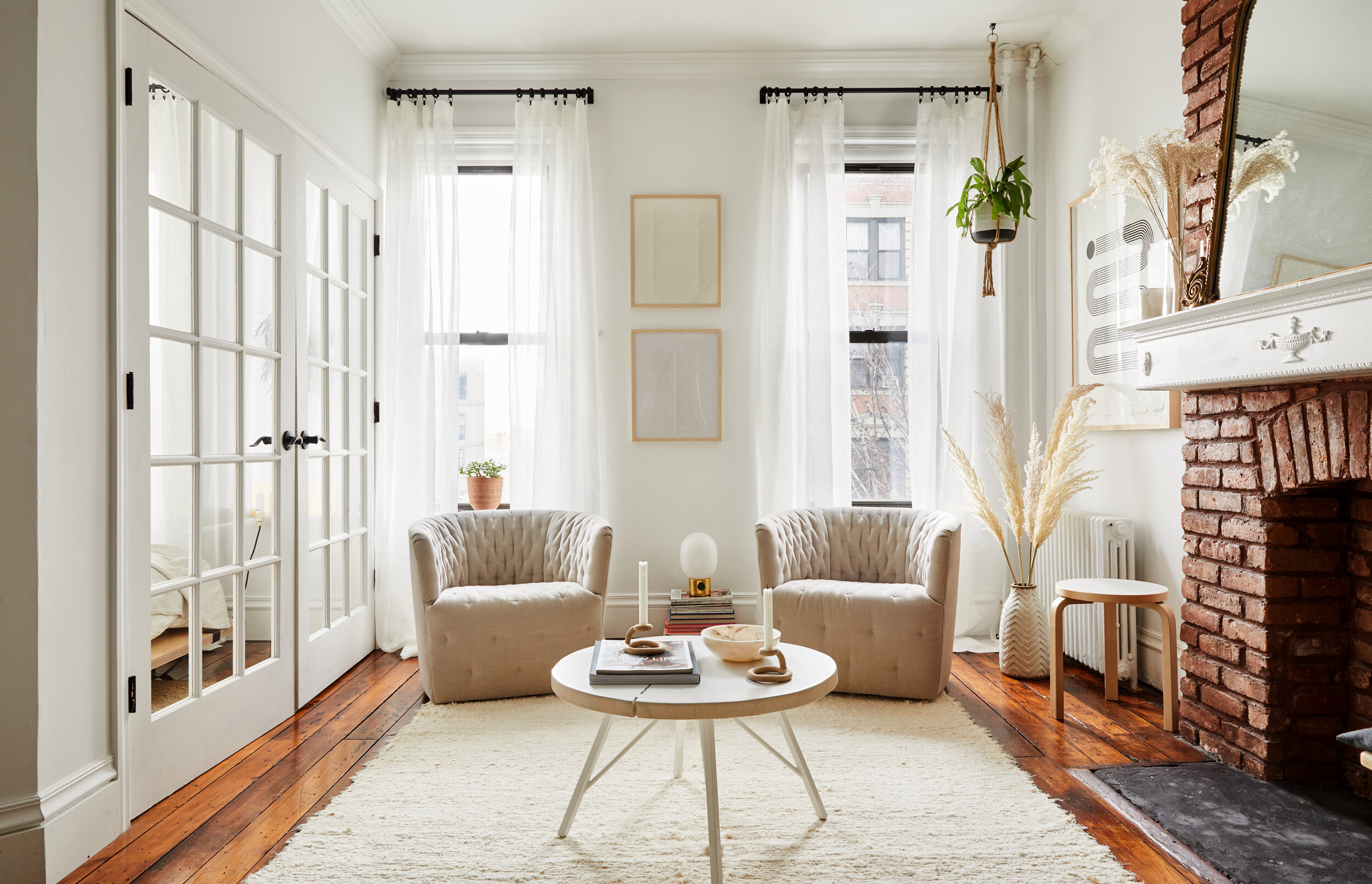 South Slope Sanctuary - A carefully curated pre-war historic townhouse in Brooklyn, NY.