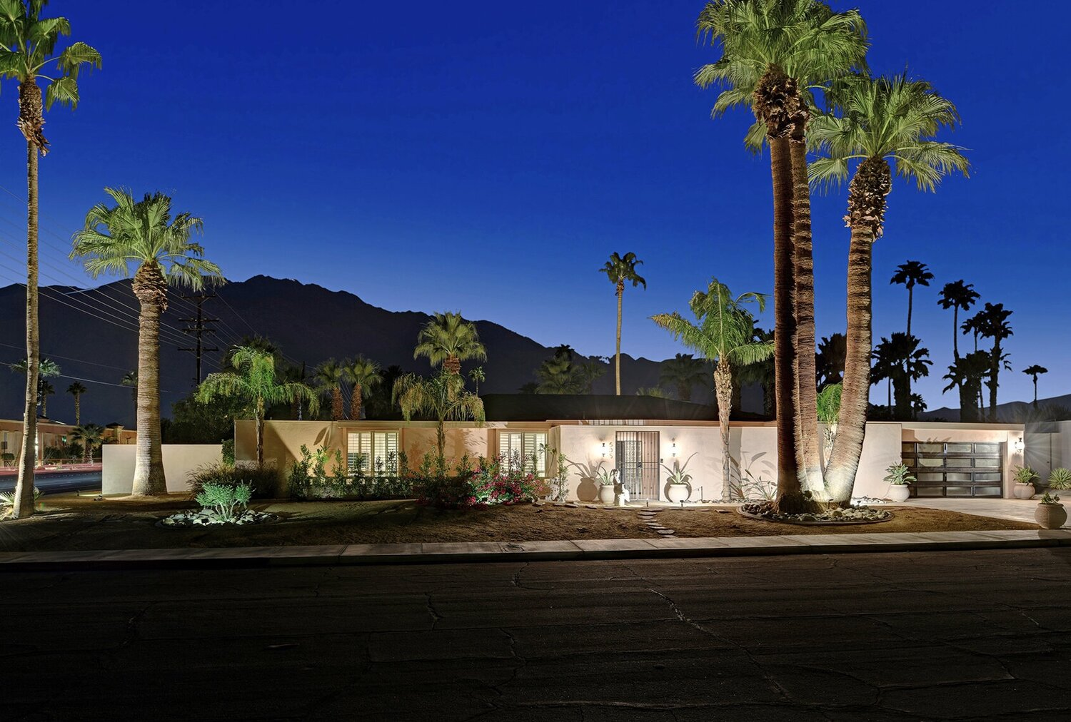 FRONT+OF+HOUSE+TO+MOUNTAINS+NIGHT+RS.jpg