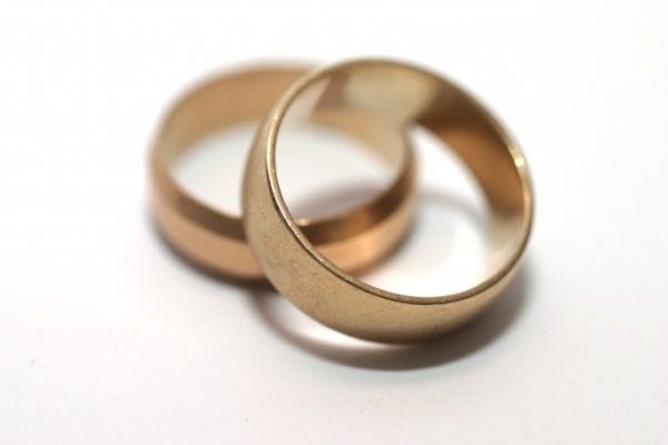 WeddingRings-6x4.jpg