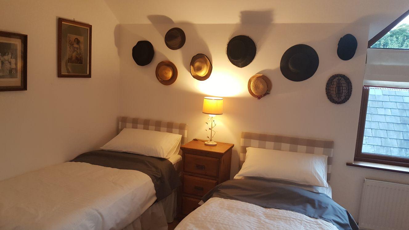 hat room (2).jpg