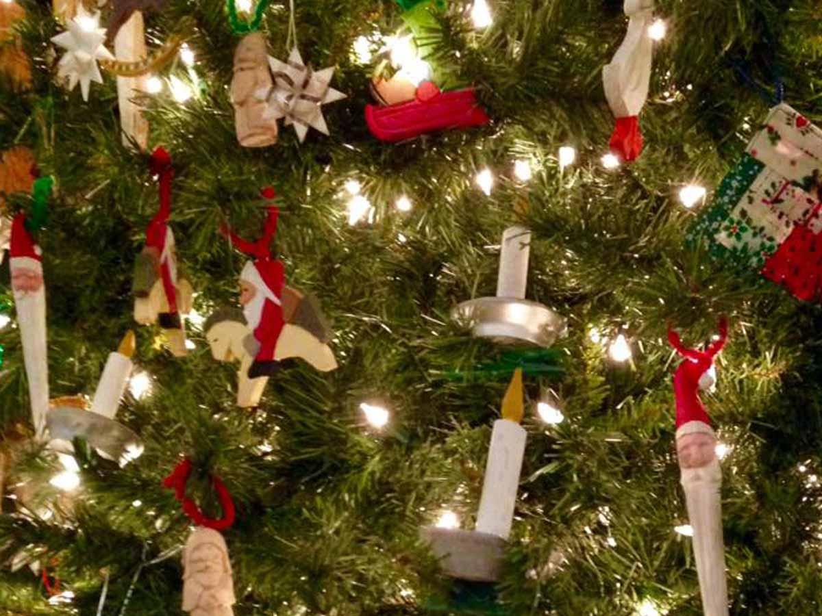 Omaha Christmas - DECECEMBER 4-8