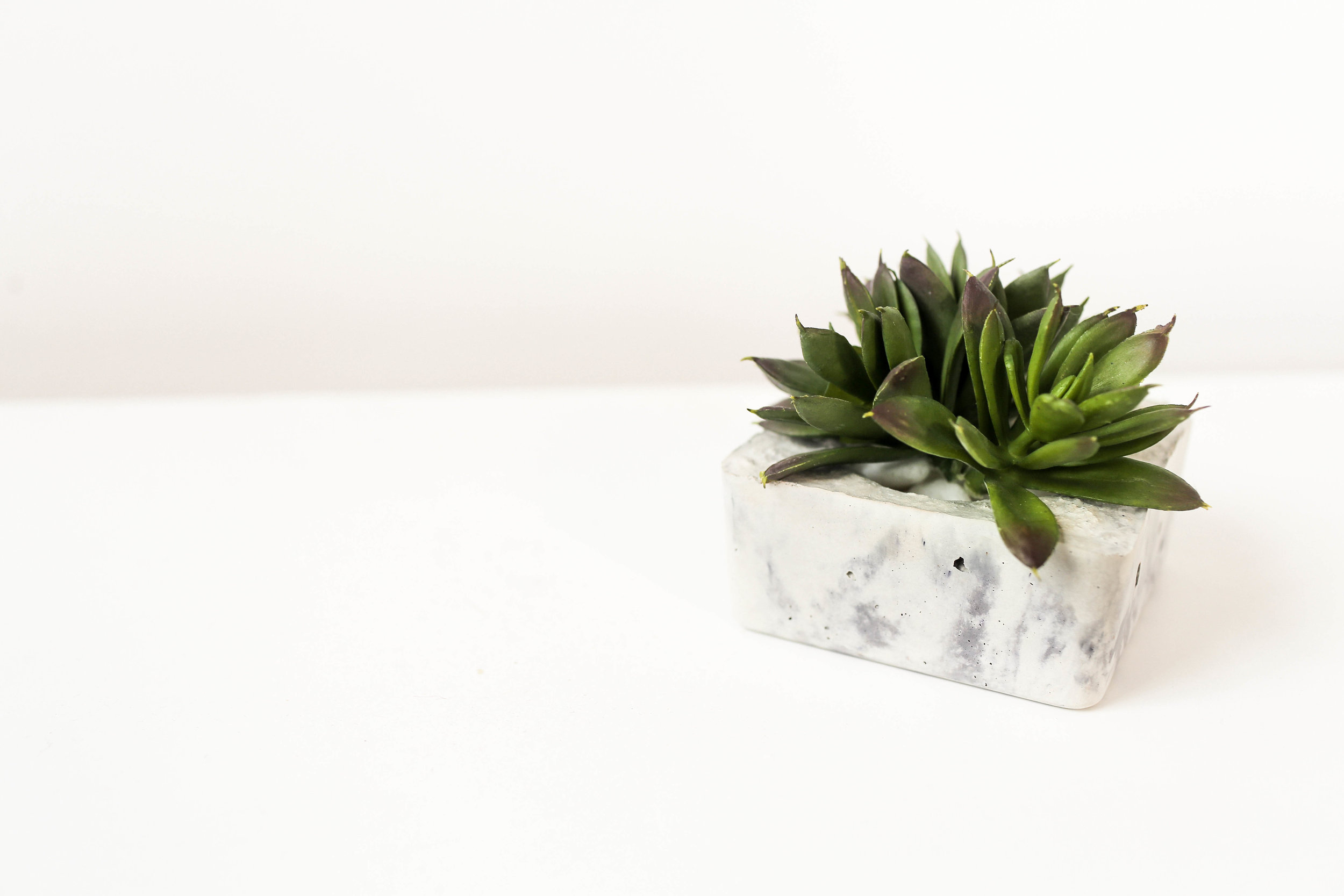 MARBLE CONCRETE CANDLE HOLDER
