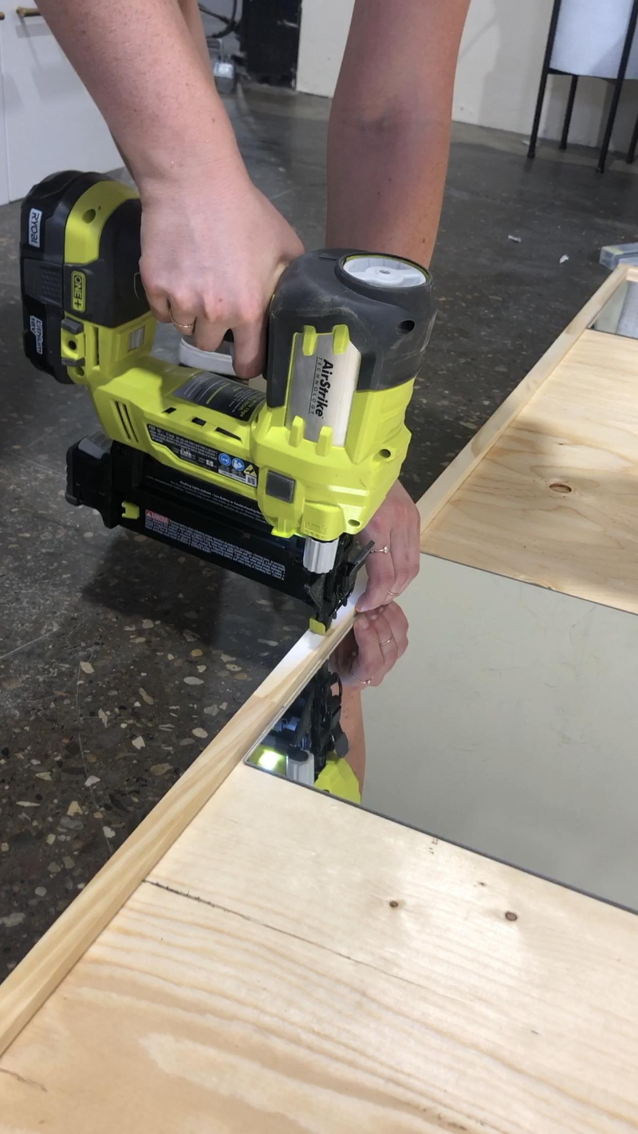Cómo hacer un espejo industrial