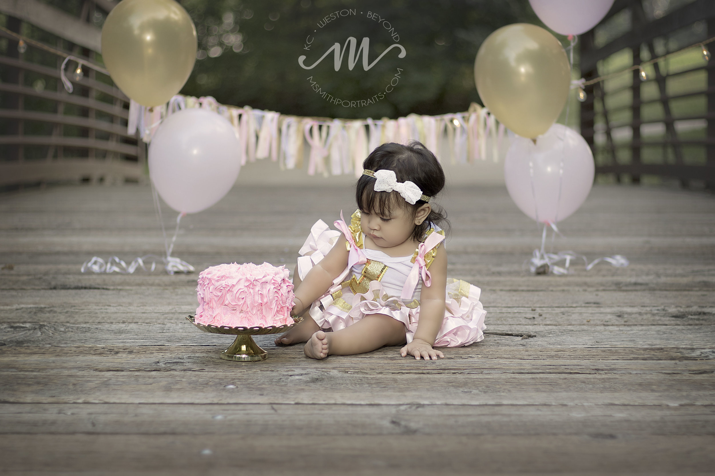 Baby girl first birthday cake picture