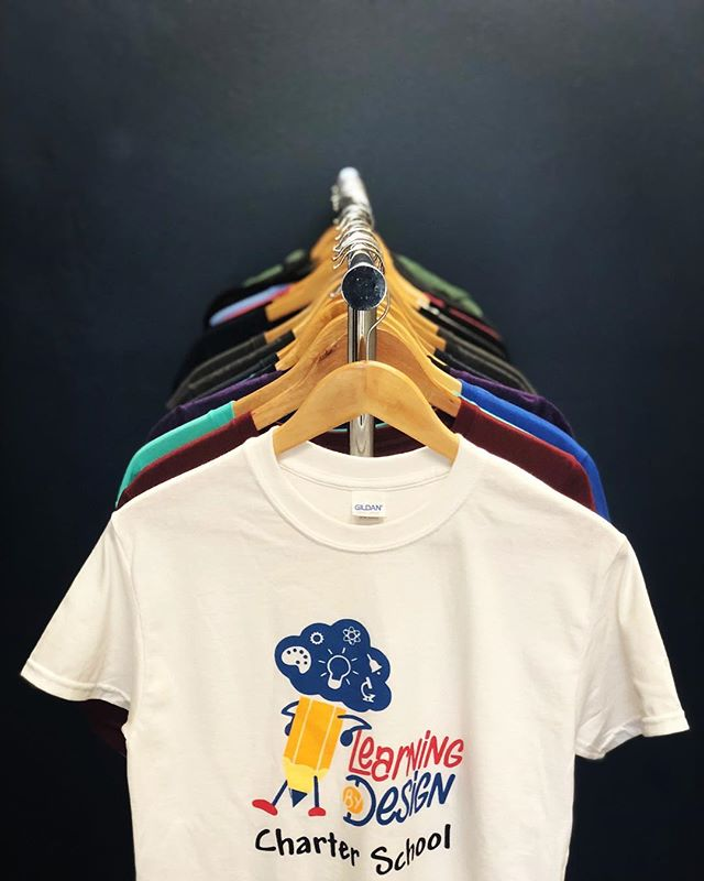 5 color print? No problem . . Let us know if you need shirts printed for your school, club, or team and we'll make it happen! . . Good luck with the new school year @learningbydesigned