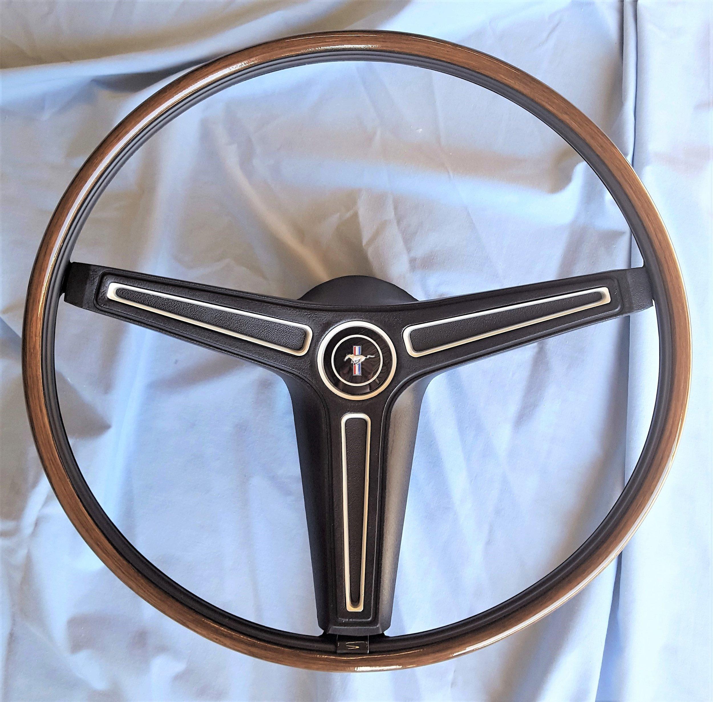 1970-73 Mustang rim blow steering wheel