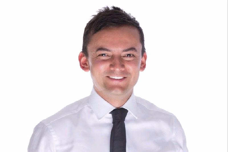 John Cardona  Agile Management Consultant, DXC Technology